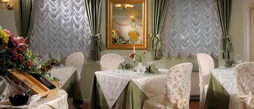 italy_dolomites_canazei_hotel-la-perla_restaurant.jpg